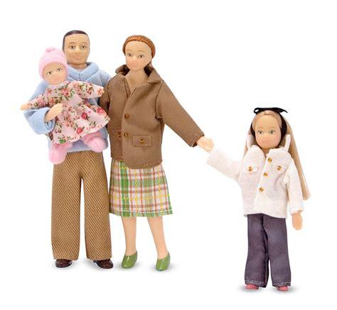 dolls house people amazon com melissa doug 4 piece victorian vinyl poseable doll family for dollhouse 1 12