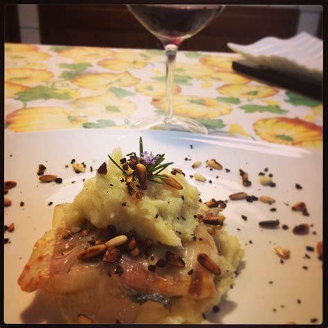 pesce su letto di patate pesce persico lardellato su letto di purea di patate 3 1 5