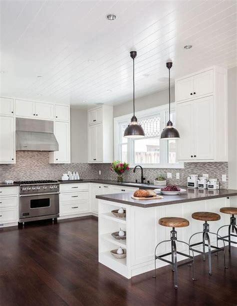 white shaker cabinets with quartz countertops gray quartz countertops white shaker cabinets and shaker