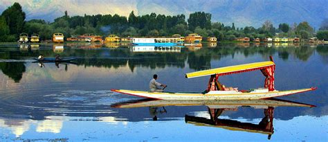 kashmir house boats butterfly houseboats in kashmir kashmir houseboat