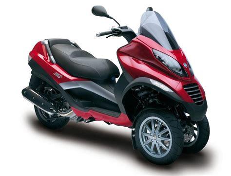 book a piaggio mp3 250cc at motopower naxos