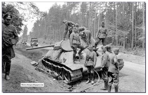 german soldier vs soviet 1472824563 history in images pictures of war history ww2 initial days of barbarossa germans in russia