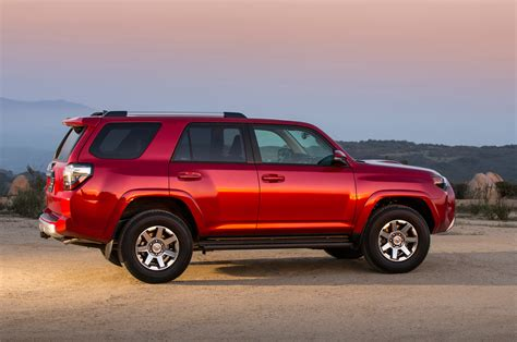 Toyota Four Runer 2014 Toyota 4runner Reviews And Rating Motor Trend