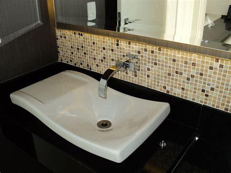 banheiro decorado bege banheiros decorados pastilhas bege decorando casas