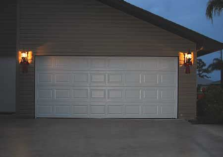Houston S Top Garage Door Experts Discuss A Common Houston Overhead Door