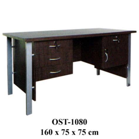 Meja Setengah Biro Bahan Kayu meja kantor orbitrend meja kantor 1 biro ost 1080