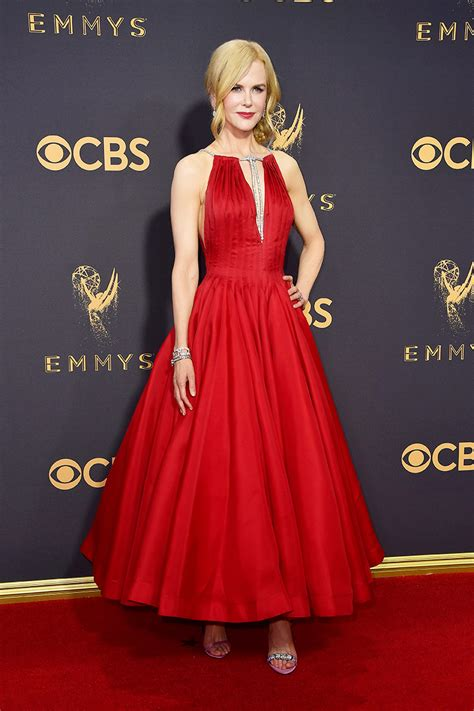 The Carpet Looks At The 2007 Emmy Awards by All The Gorgeous Looks From The Emmy Awards Carpet
