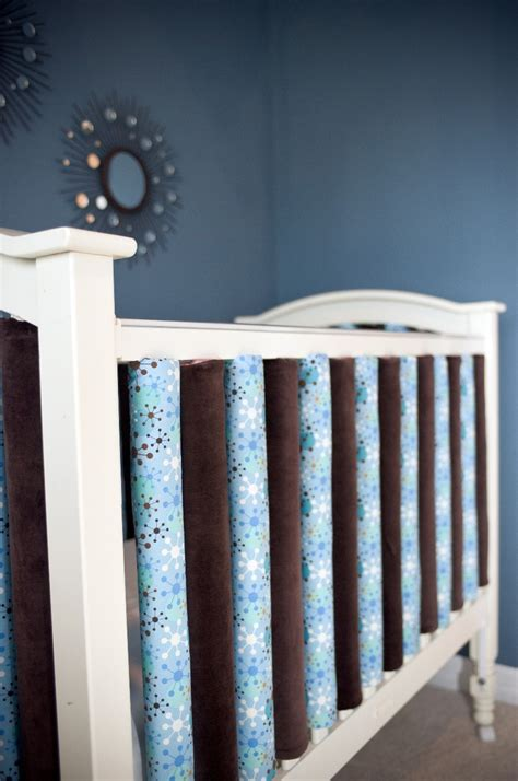Bumpers For Baby Cribs Vertical Crib Bumpers Safer Because Each Rail Is Padded
