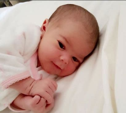 tv the dr rachael ross had baby dr rachael of the doctors gives birth to a girl