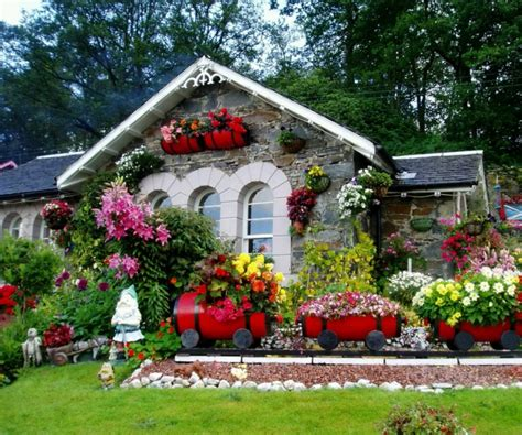 flower design house small house flower garden house decor ideas