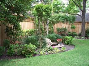 fenced backyard landscaping ideas 25 best ideas about landscaping along fence on pinterest