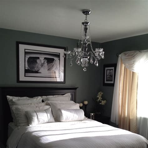 turn your bedroom into a luxurious hotel room perhaps paint bed black home decoz