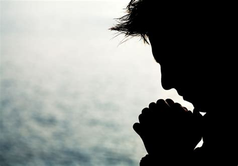 Imagenes Varones Orando | hombre orando imagui