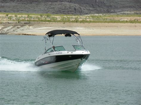 lake powell boats for rent lake powell ski boat surf boat and jet ski rentals