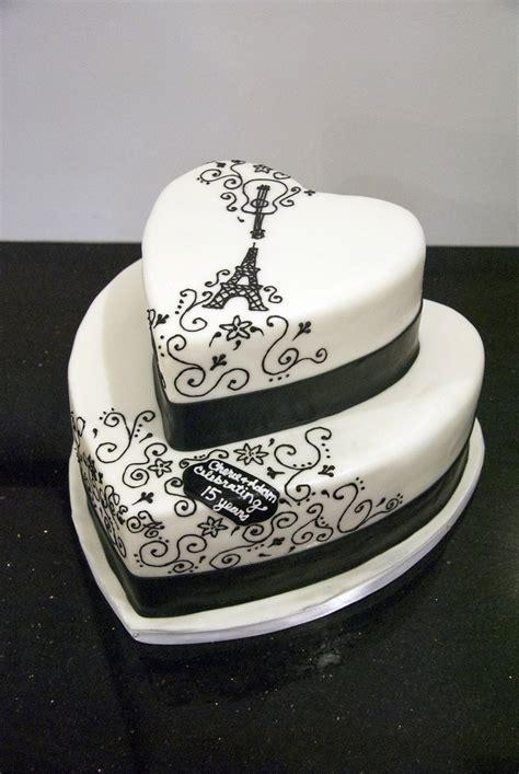 anniversary cake simple heart shape cake cake heart shaped wedding anniversary cakes
