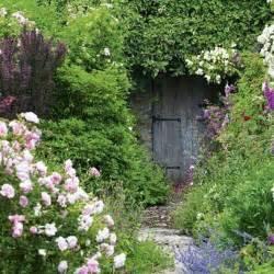 verborgener garten secret garden door places spaces
