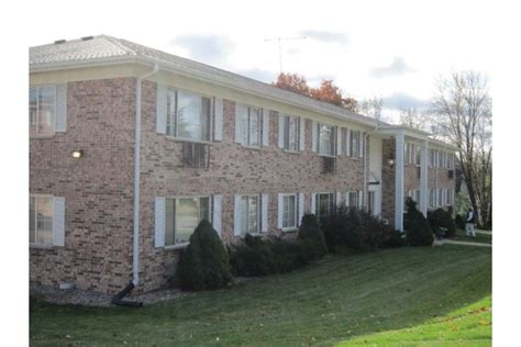 Carriage House Apartments by Carriage House Apartments Berlin Wi Apartment Finder