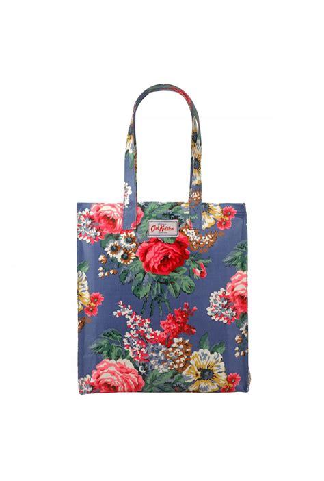 Tas Cath Kidston Ukuran 18 X 15 cath kidston bloomsbury bouquet book bag