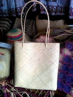 700 G Tas Etnik Khas Kalimantan toko kerajinan khas kalimantan tas rotan etnik dayak