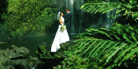 6 Breathtaking Places To Get Married In Hawaii (That Aren