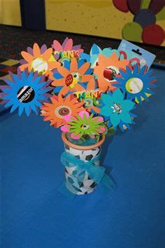 How To Make A Gift Card Bouquet - 1000 ideas about gift card bouquet on pinterest gift card tree gift cards and gift