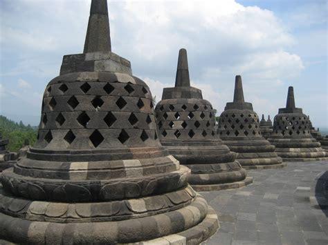 Satu Abad Usaha Penyelamatan Candi Borobudur 4 tempat wisata di jawa tengah apa saja yang paling bagus bagian selatan utara barat timur