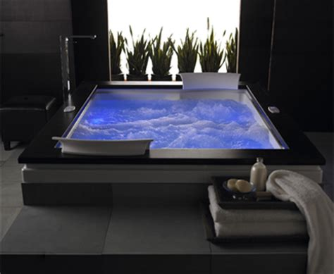 chromatherapy bathtub whirlpool tubs with the effect of chromatherapy useful
