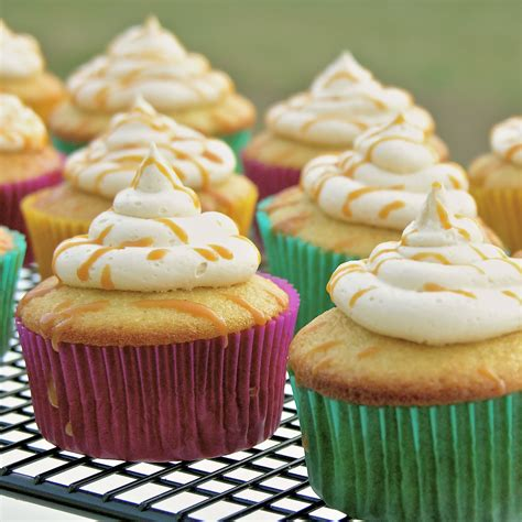 beer cupcakes harry potter butter beer cupcakes easybaked