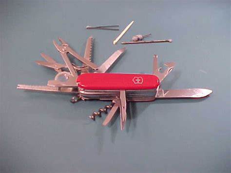 swiss army knife officier suisse swiss army victorinox officier suisse knife factory