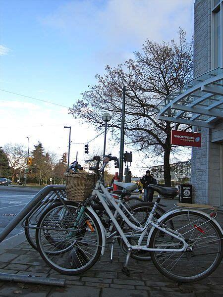Bike Rack For Hatchback With Spoiler by 17 Ideas About Hatchback Bike Rack On Car