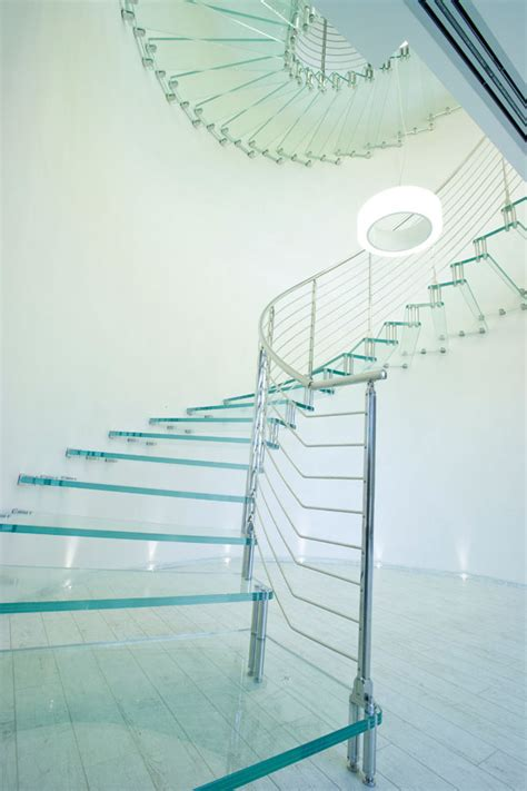treppen aus glas freitragende treppen aus glas madeinitaly de