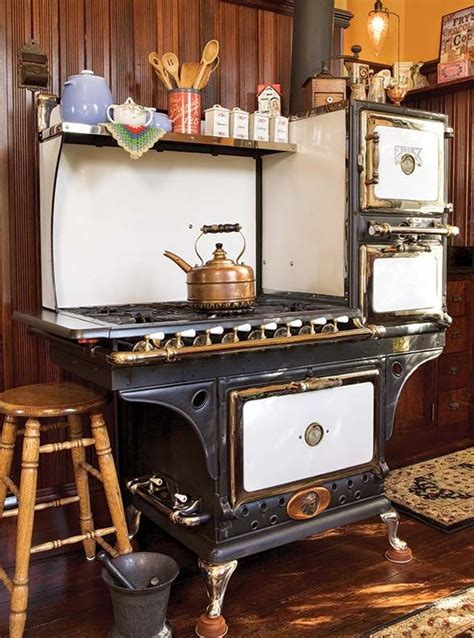 antique kitchen appliances top 25 ideas about 1910 1920 s kitchens on pinterest stove vintage kitchen and deco