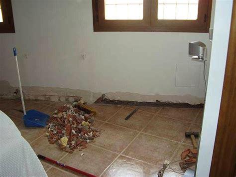 humedad en paredes interiores solucion humedad en paredes solucion hacer bricolaje es