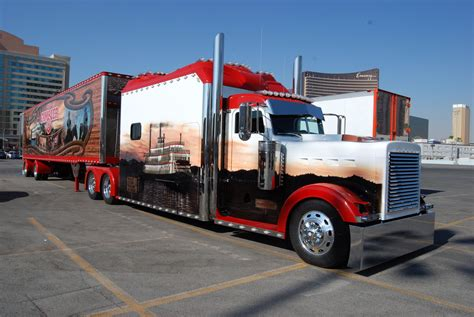peterbilt semi trucks peterbilt trucks peterbilt trucks wallpapersus com