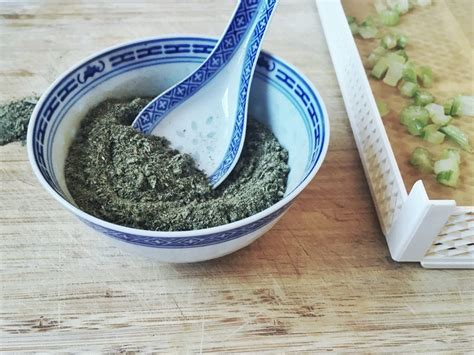 sale di sedano sale di sedano essiccato per una dieta iposodica di
