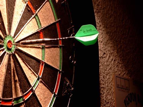 wallpaper dart game dart game wallpaper