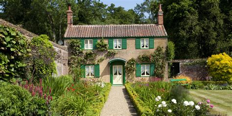 country cottage 11 photos of country cottages that make us want
