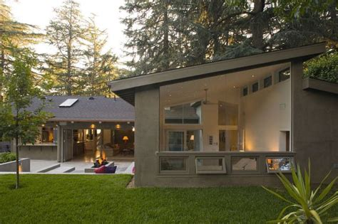 l shaped houses 25 best ideas about l shaped house on