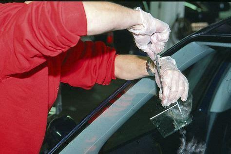 steinschlag wann reparieren steinschlag windschutzscheibe wechseln oder reparieren