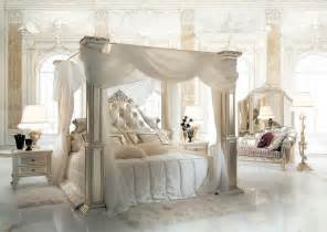 Four Poster Canopy Bed Curtains himmelbett f 252 r hotelsuite idfdesign