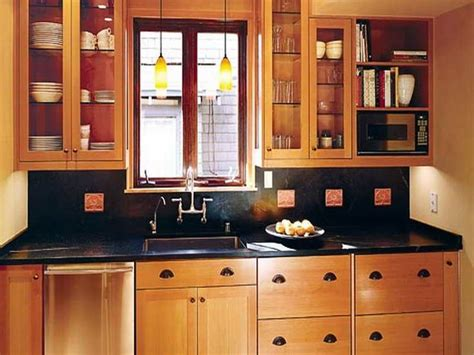 small kitchen makeover ideas on a budget 17 best ideas about small kitchen makeovers on pinterest
