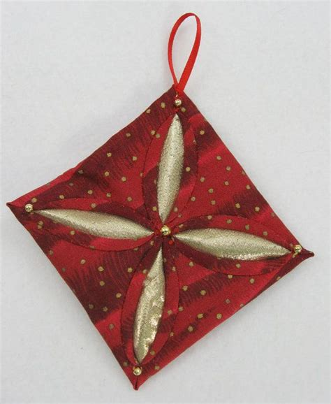 Fabric Origami Ornaments - 251 best images about cathedral window quilting on