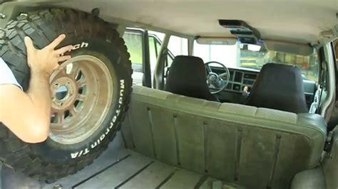 jeep comanche spare tire how to fit a 31 quot spare tire in your jeep cherokee youtube