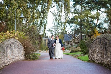 Botanic Gardens Edinburgh Wedding Autumn And Nature Inspired Wedding With Outdoor Ceremony In Edinburgh Scotland We Fell In