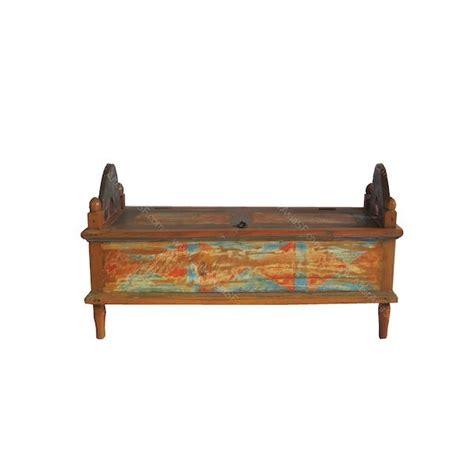 banca baul banco ba 250 l realizado mayormente con madera reciclada de