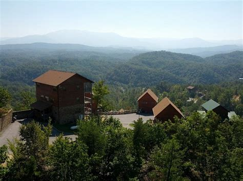 Cabin Fever Pigeon Forge Tn by Cabin Fever Vacations Pigeon Forge Tennessee Brandcation