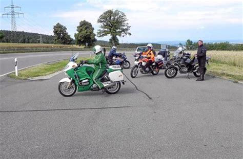 Suzuki Motorrad Calw by Wildberg Schwerer Unfall Nach Flucht Mit Motorrad Calw