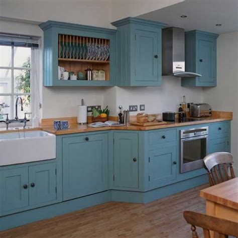 what is in style for kitchen cabinets blue shaker style kitchen cabinets 2016