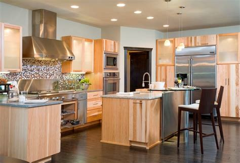 Kitchens With Light Cabinets Sublime Hardwood Floors With Light Cabinets Decorating Ideas Gallery In Kitchen Traditional