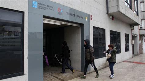 oficina de emprego o paro baixa en galicia en 1 679 persoas en febreiro un 0 88